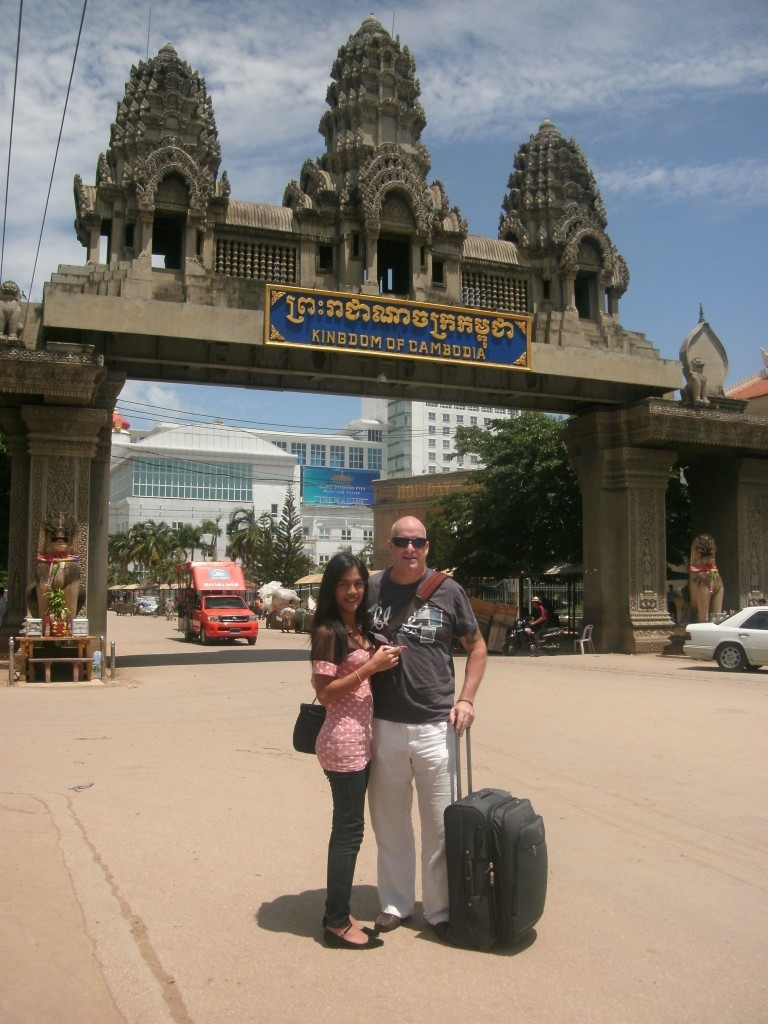 David and Annie Smiling travelling to Cambodia David Bonnie Bangkok Thailand davidbonnie.com