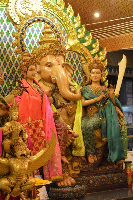 Traditional Thai Statue David Bonnie Bangkok Thailand davidbonnie.com