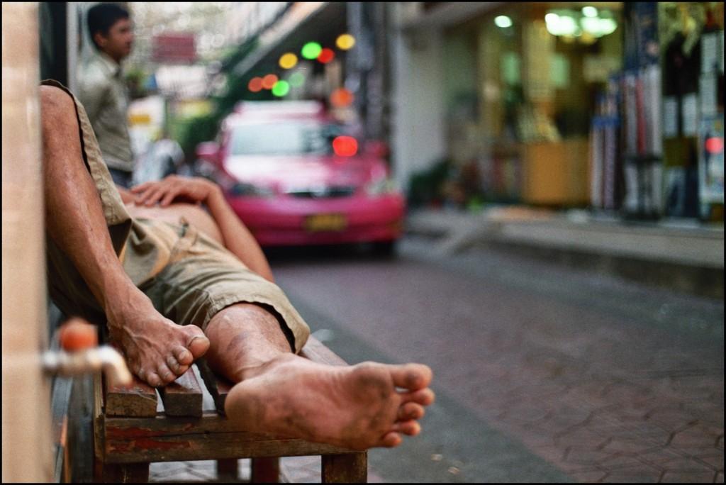 ladyboys-davidbonnie-annie-thailand-foot.jpg