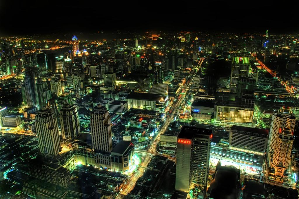 ladyboys-davidbonnie-annie-thailand-nightview