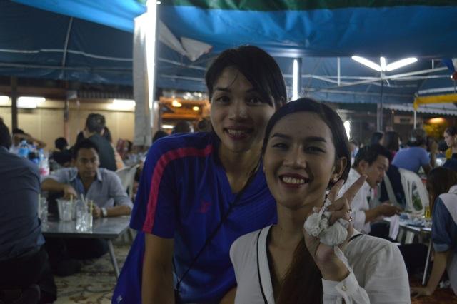 ladyboys-davidbonnie-annie-thailand-server-ladyboy bow1