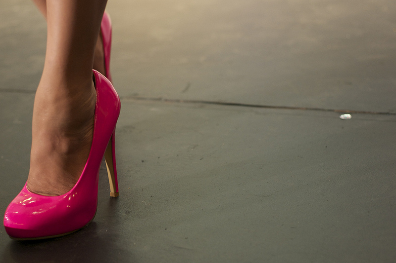 ladyboys-davidbonnie-annie-thailand-shoe