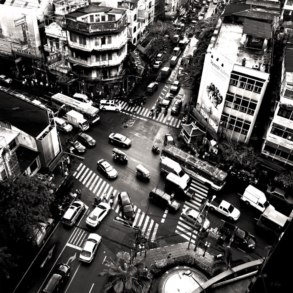 ladyboys-davidbonnie-annie-thailand.traffic-chinatown